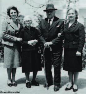 Famiglia De Iorio. Da sinistra: Lea, Ida De Iorio nata Belmonte, Vincenzo, Clara Mattei nata De Iorio.