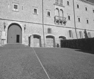 Ill. 5: Porta dopoguerra.