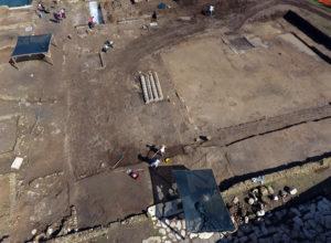 Fig. 10: La palestra delle terme in corso di scavo (foto: Giovanni Murro).