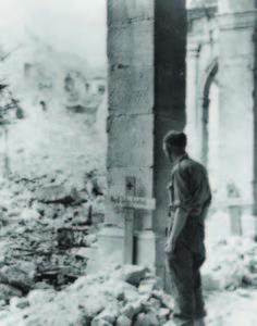 Cimitero tedesco provvisorio nell'Abbazia.
