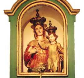 La statua lignea della Madonna delle Grazie.