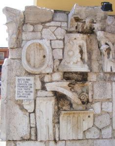 Cassino 19 ottobre 2002: l'abate mons. Bernardo D'Onorio riconsacra la chiesa.