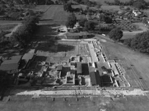 Fig. 1- L'area di scavo delle terme di Aquinum vista dall'alto (foto. G. Murro).