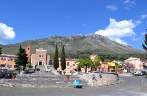 Fig. 1. Il paese di San Pietro Infine, completamente ricostruito ex-novo nel dopoguerra.