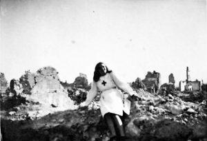 Florenza Melano tra le macerie di Cassino