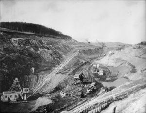 Lavoro di estrazione alla miniera di ferro di Watenstedt - Salzgitter.