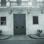 I leoni ai lati dell'ingresso principale del palazzo abbaziale di Cassino.