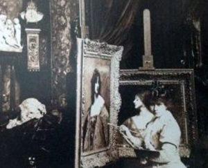 Juana Romani nel suo Atelier a Parigi (da «La vie illustrèe»).
